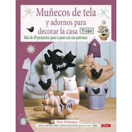 Muñecos de tela y adornos para decorar la casa. Tilda