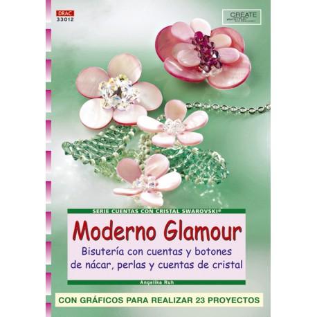 Moderno glamour. Bisutería con cuentas y botones nácar, perlas y cuentas de cristal