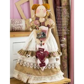 Muñecas de Tela y Labores con Encanto