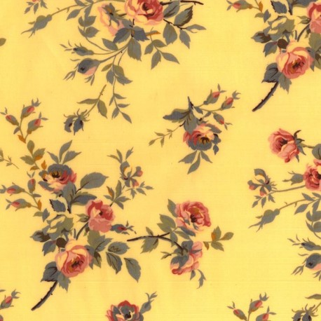 Rosas en Fondo Amarillo